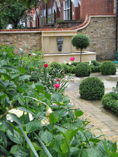 Traditional garden and parterre