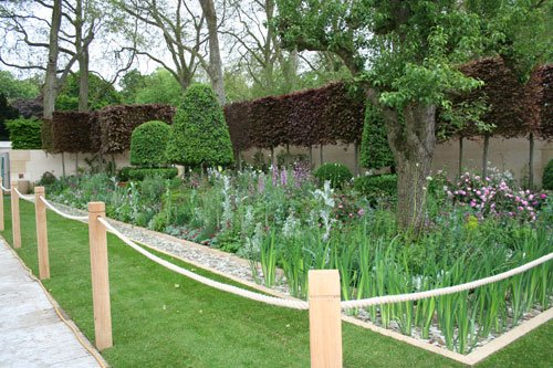 RHS Chelsea Flower Show 2012 The Laurent-Perrier Bicentenary Garden designed by Arne Maynard