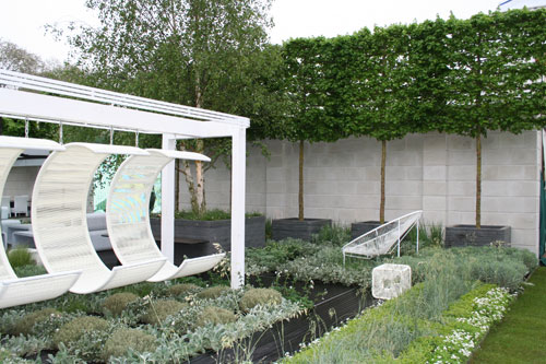 RHS Chelsea Flower Show 2012 Rooftop Workplace for Tomorrow designed by Patricia Fox at Aralia for Walworth Garden Farm, sponsored by RBS