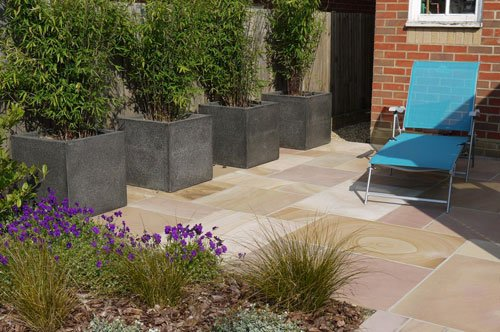 Small Contemporary Garden by Garden Designer Andrea Newill
