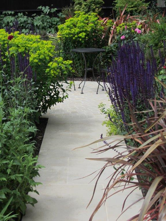 Small Traditional Garden by garden designer Christine Wilkie