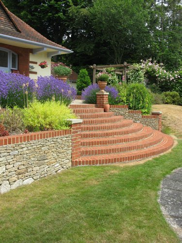Garden for Arts and Crafts style house in Surrey by garden designer Linda Regel