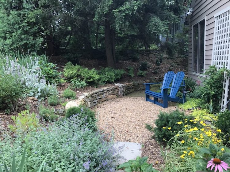 Front Entrance Transformation Garden wins APLD Gold Award. An APLD Gold Award winning front garden by North Carolina, USA landscape designer Mardi Letson.
