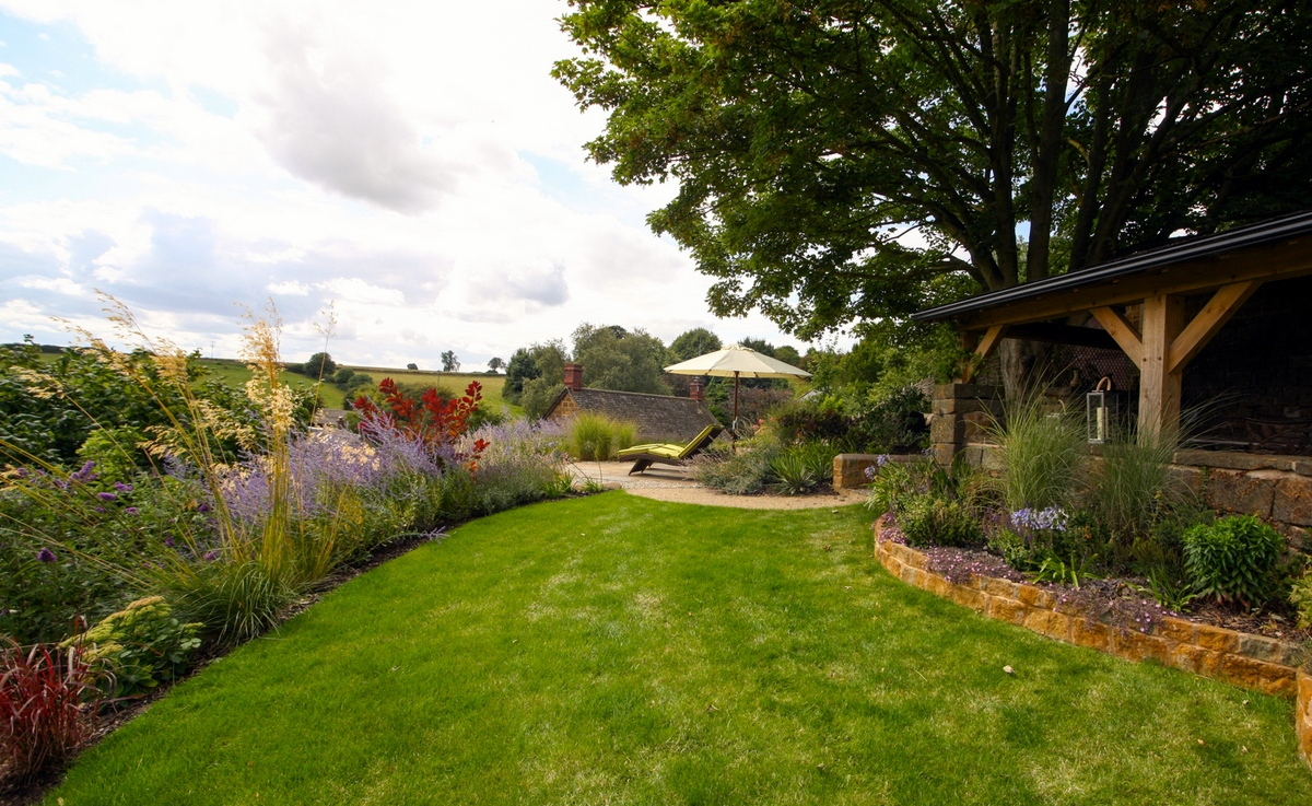 Cotswold View Garden