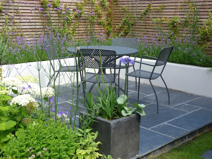 A contemporary urban garden By London based garden designer Pippa Schofield