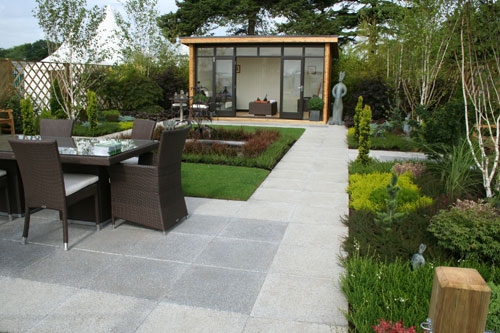 Work rest and play garden shoot for Garden design ideas without grass low maintenance