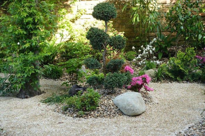 A Japanese Garden in Oxford By Mark Griffiths and his partner Yoko Otsuke