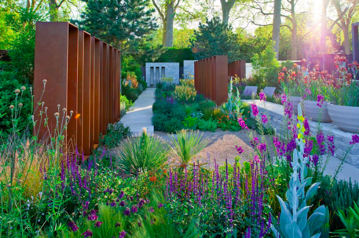 The Daily Telegraph Garden by Andy Sturgeon - Best in Show 2010